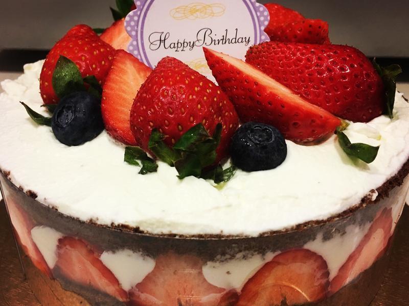 鮮奶油草莓巧克力戚風蛋糕