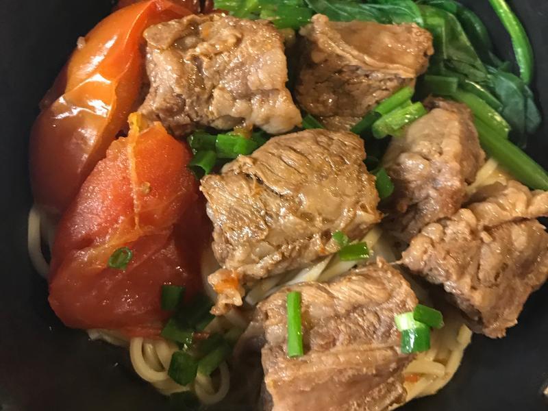 薑粉蕃茄紅燒牛肉麵