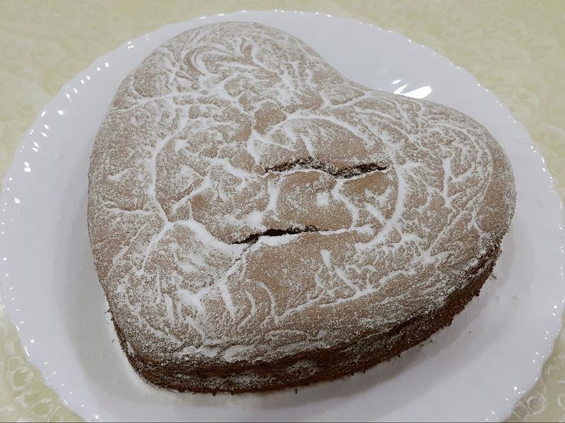 """手作 8"""" 可可雪棉花蛋糕(心型)"""