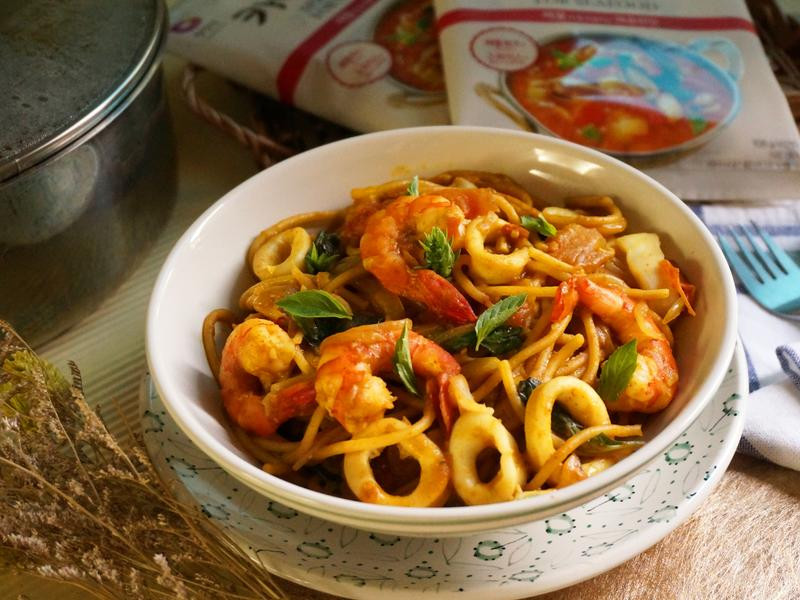 一鍋到底番茄咖哩海鮮pasta-咖哩女王