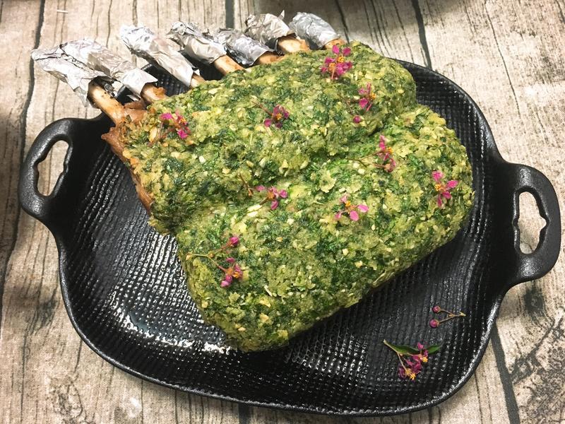 法式嫩煎小羊排佐歐芹醬