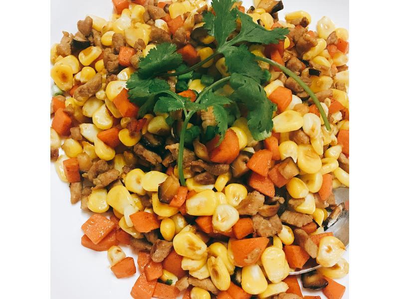 粟米胡蘿蔔冬菇炒肉粒