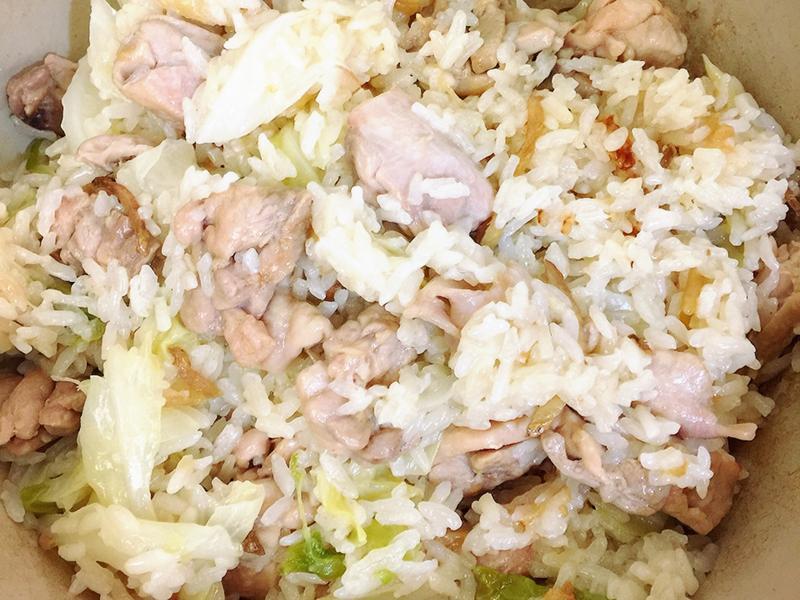 茶油雞肉高麗菜飯(鑄鐵鍋版)