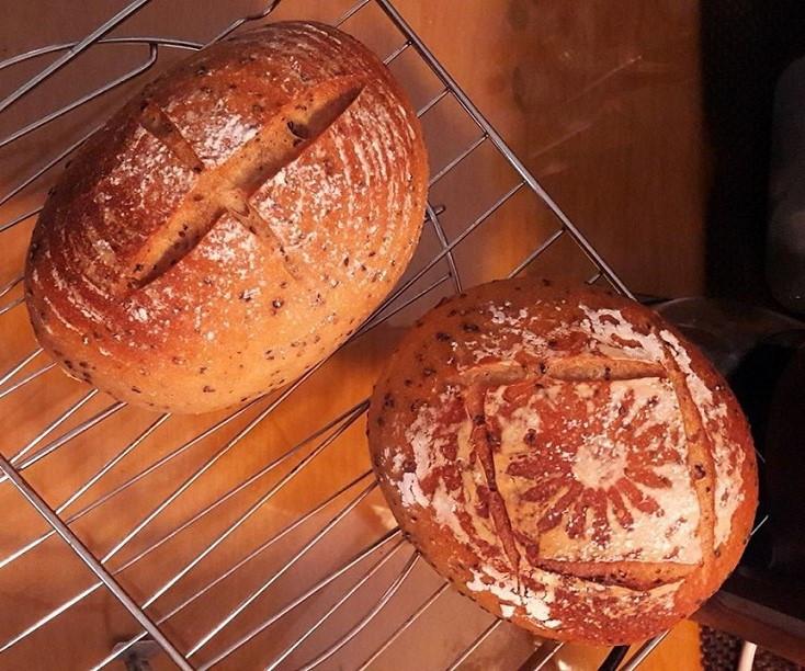 裸麥鄉村麵包(天然酵母)