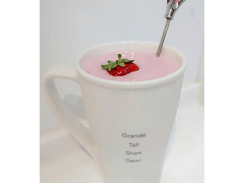 自製草莓奶昔