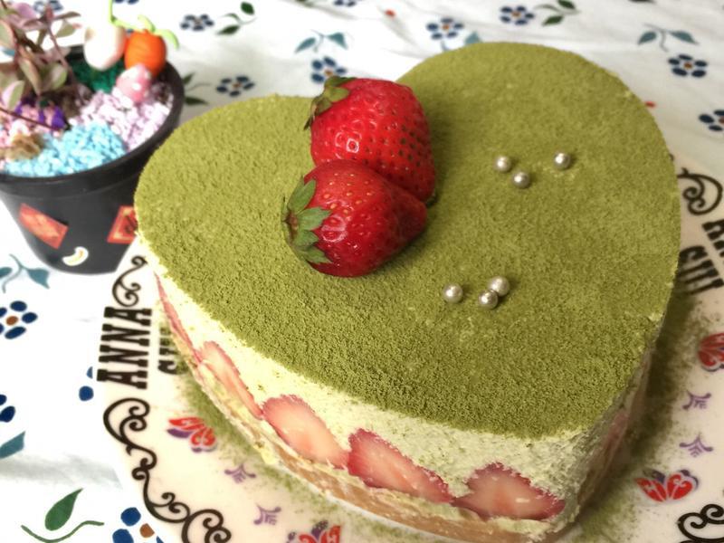 草莓抹茶慕絲蛋糕