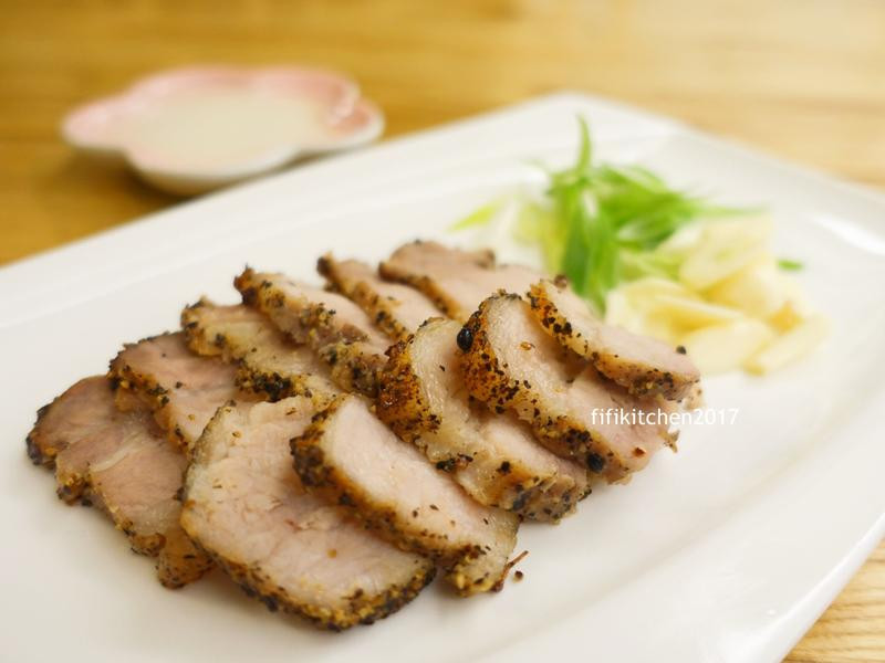 上桌就想來一杯的『黑楜椒鹹豬肉』