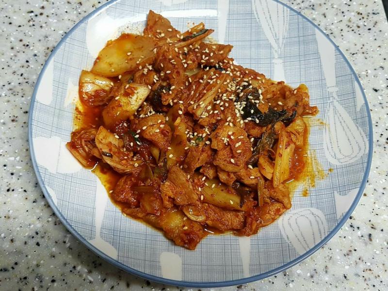 (韓式)泡菜炒豬肉 김치제욕볶음