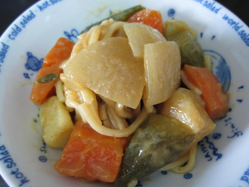 ▊雪莉小廚房。田園蔬菜咖哩炒麵 ▊