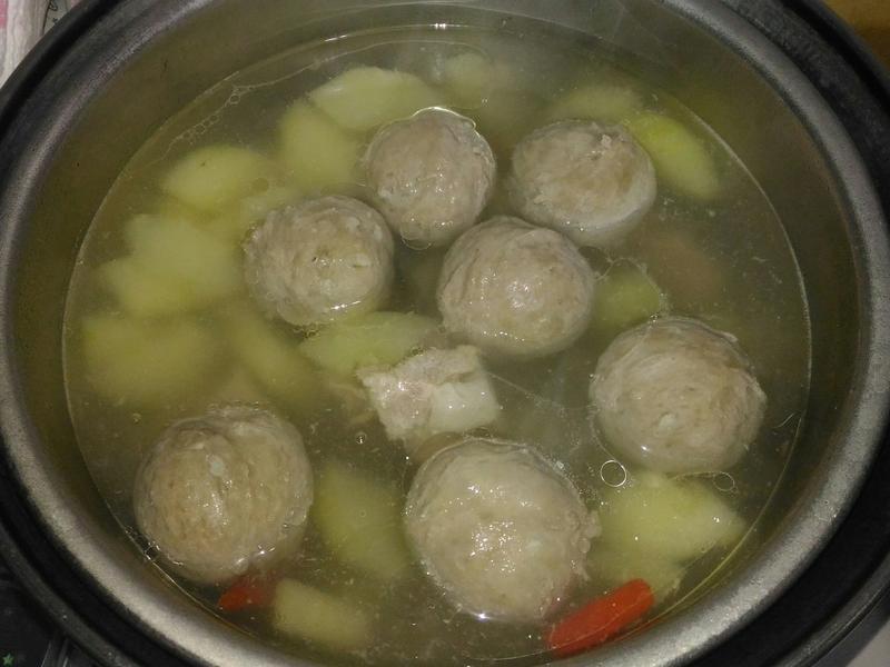 貢丸黃瓜排骨湯