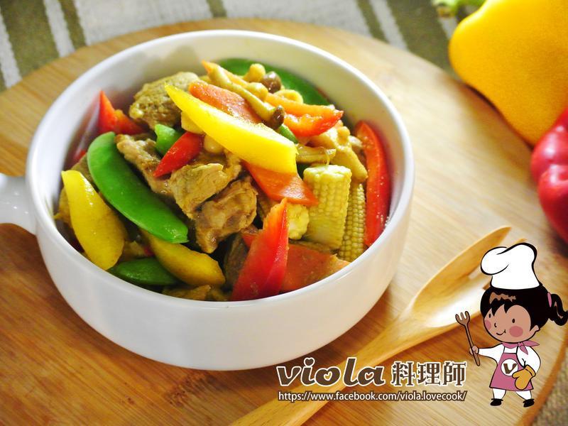 綠咖哩豬肉燴食蔬