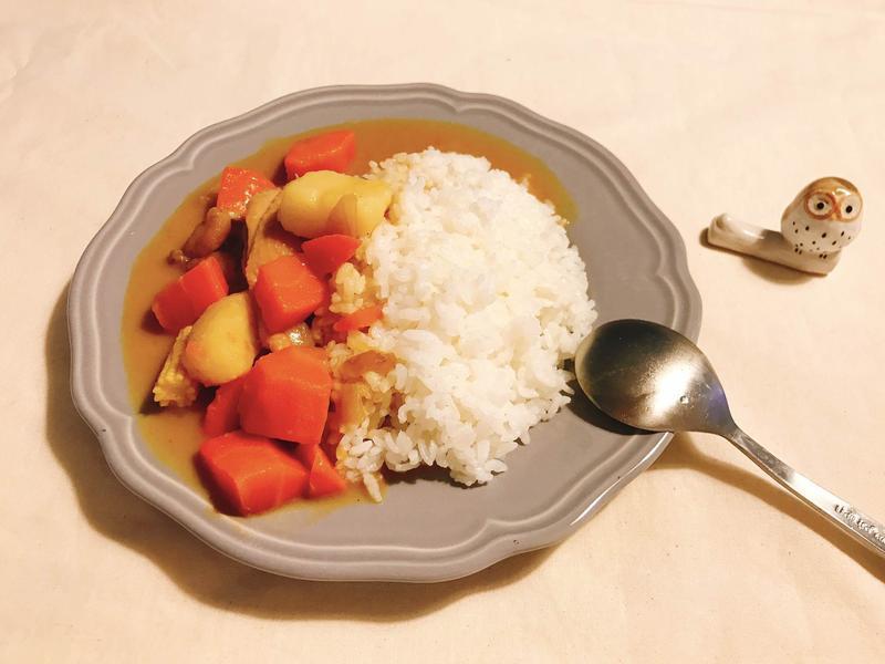 椰香嫩雞蔬菜咖哩