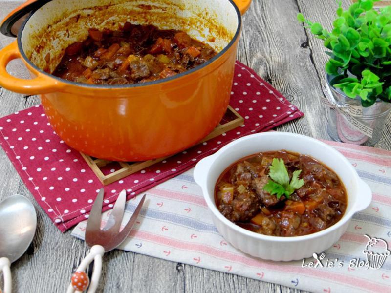 義式紅酒番茄燉牛肚-Lexie寫食派