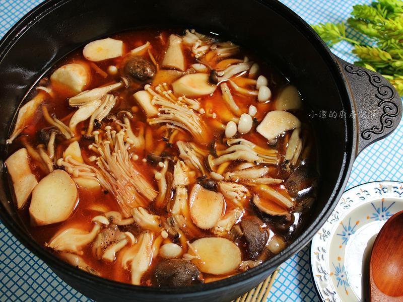 紅麴百菇雞湯鍋