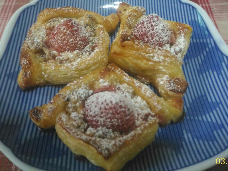 🍓草莓乳酪酥皮塔🍓