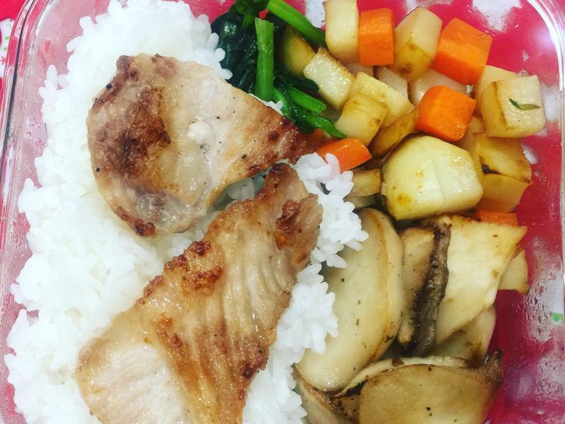 小廚娘便當菜-迷迭香煎松阪豬