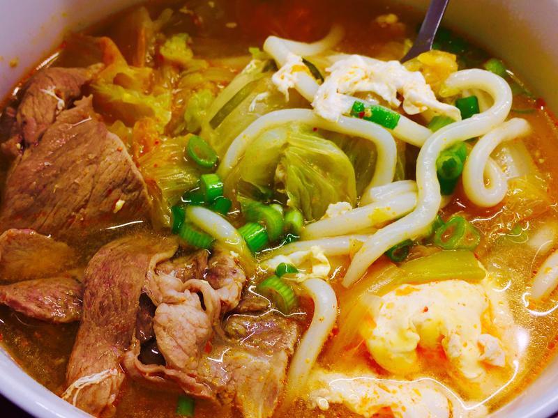 十分鐘上菜👉🏼韓式泡菜烏龍湯麵