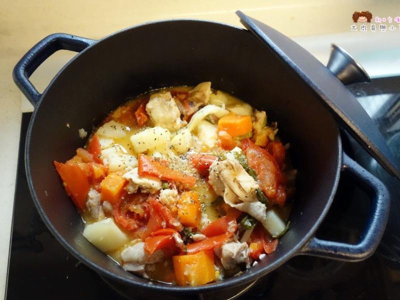 無水番茄蔬菜燉雞