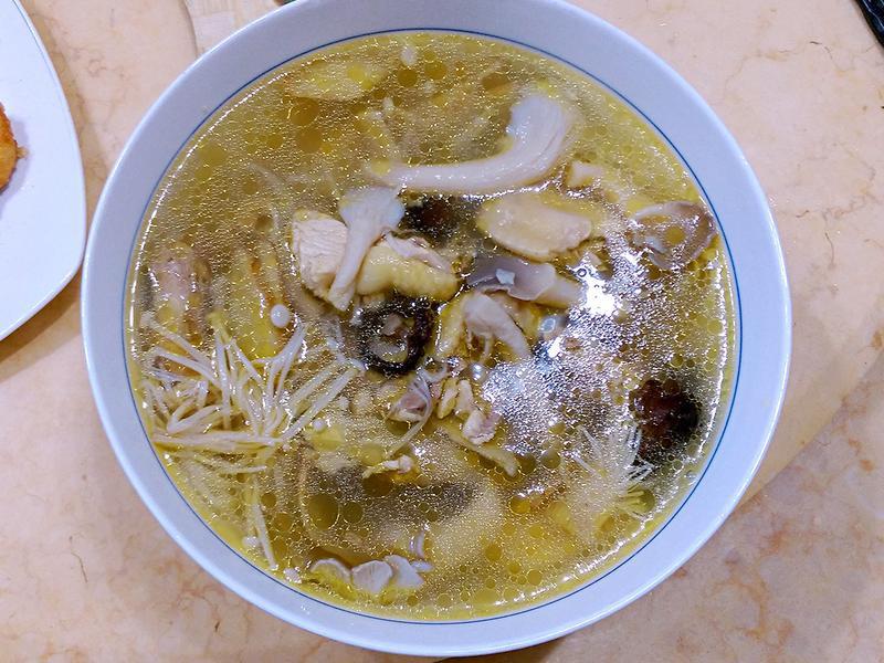 超美味菇菇雞湯