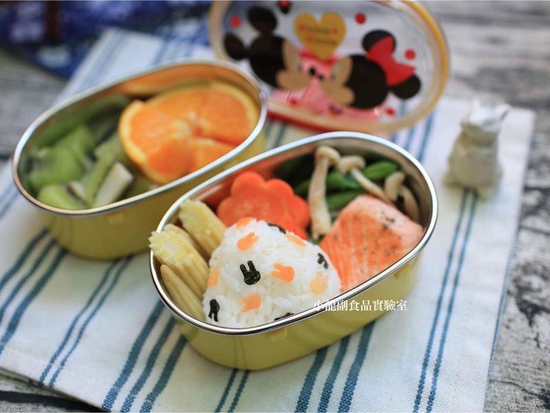 寶寶食譜【小兔子三角飯糰便當】