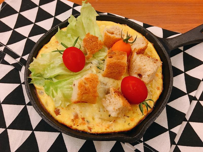 週末早午餐~蔬菜滿滿的起司蕃茄烘蛋