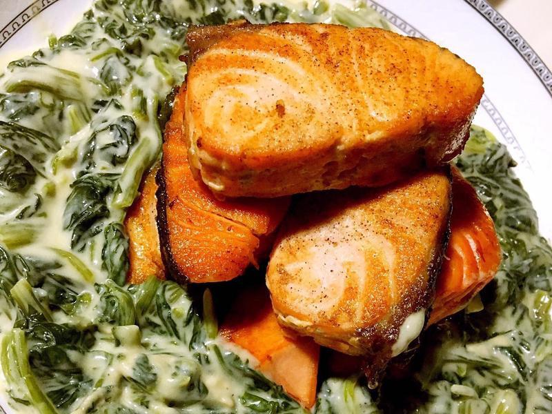 簡單美味奶油菠菜鮭魚排❤