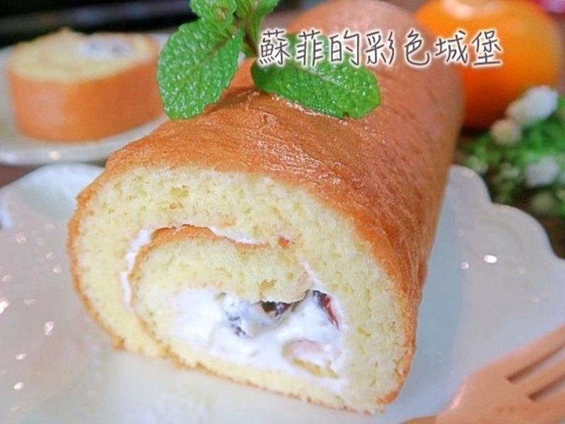 蔓越梅鮮奶油蛋糕捲~蛋香味十足喔!
