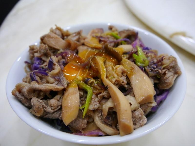 紫高麗菜野菇牛丼