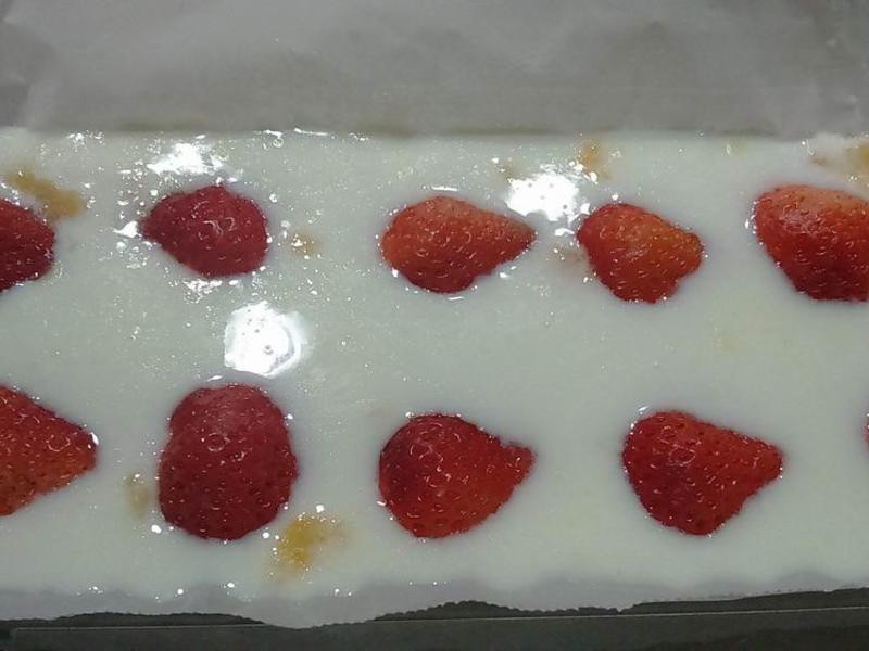 【免烤-親子】草莓優酪乳蛋糕