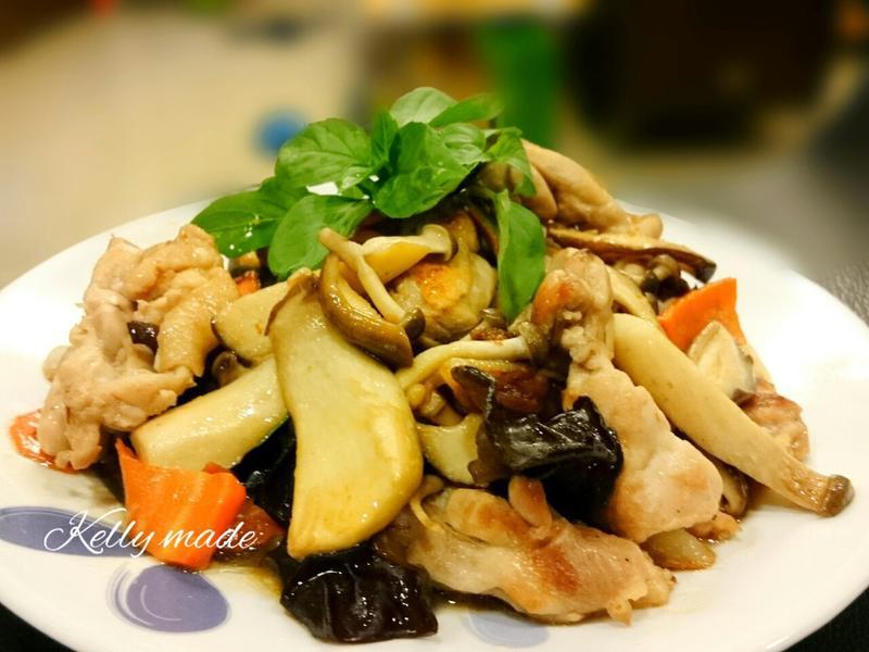 超下飯~百菇炒雞柳