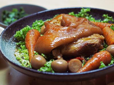 【電鍋食譜】紅燒蹄膀 Stewed Pork Hocks