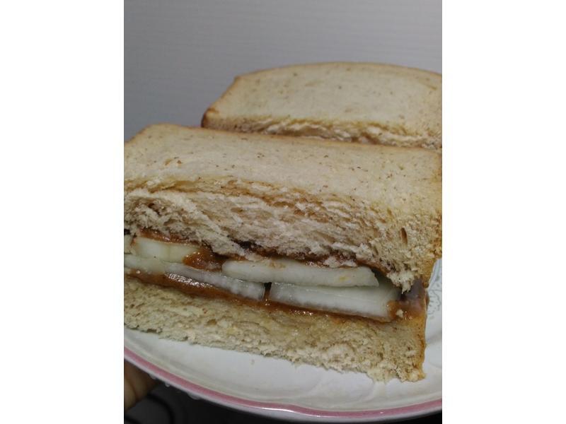 麻醬 醃蘿蔔 三明治