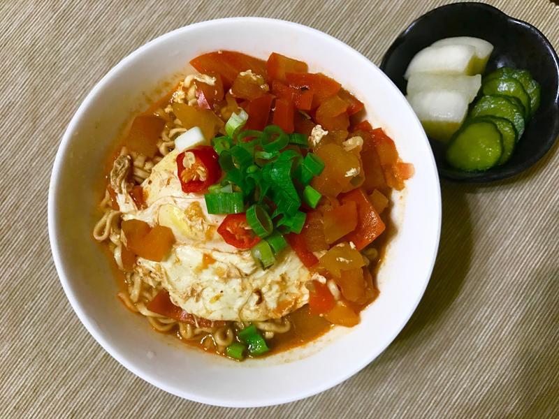 簡單美味「義式茄汁牛肉風味泡麵」