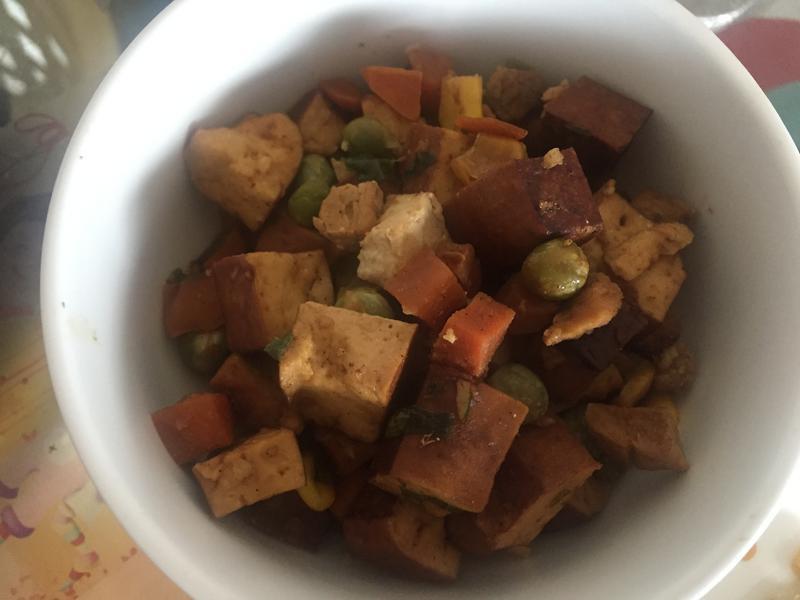 三色豆炒豆干(超級下飯)