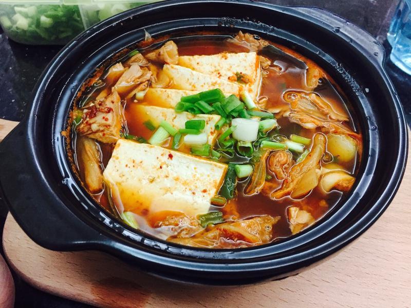 老喬廚娘日記-韓式泡菜湯 김치찌개