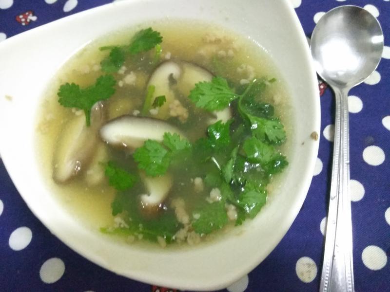 10分鐘上菜─香菇肉燥湯