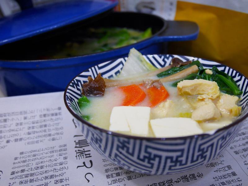 豆乳雞湯(附豆漿及不專業的全雞拆骨方法)