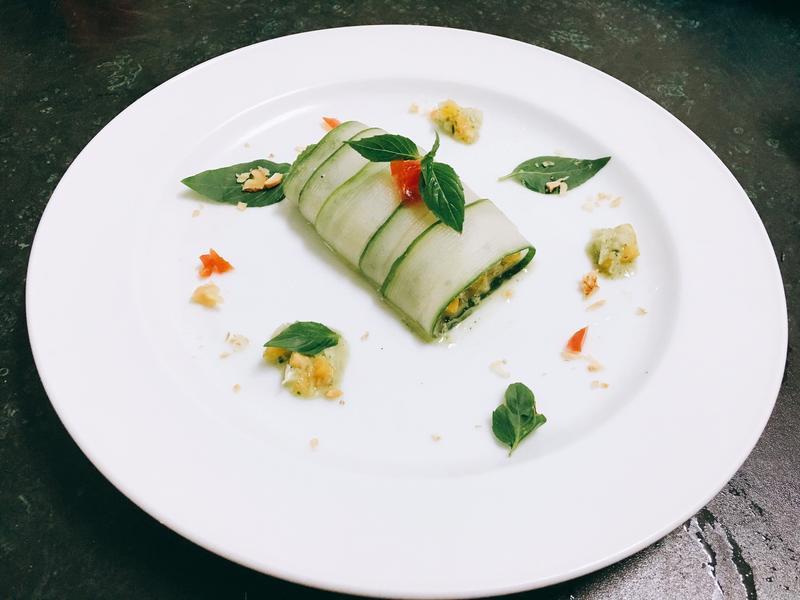 黃瓜佐青醬堅果沙拉