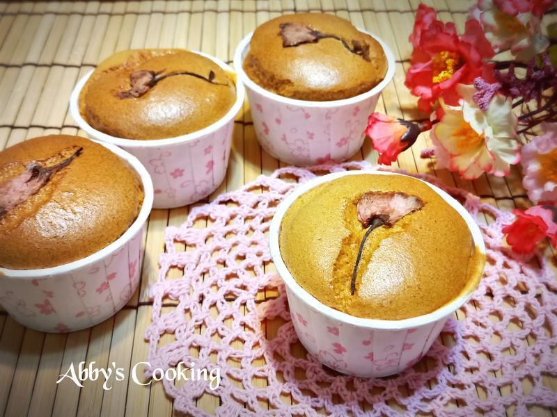 櫻花煉乳杯子蛋糕