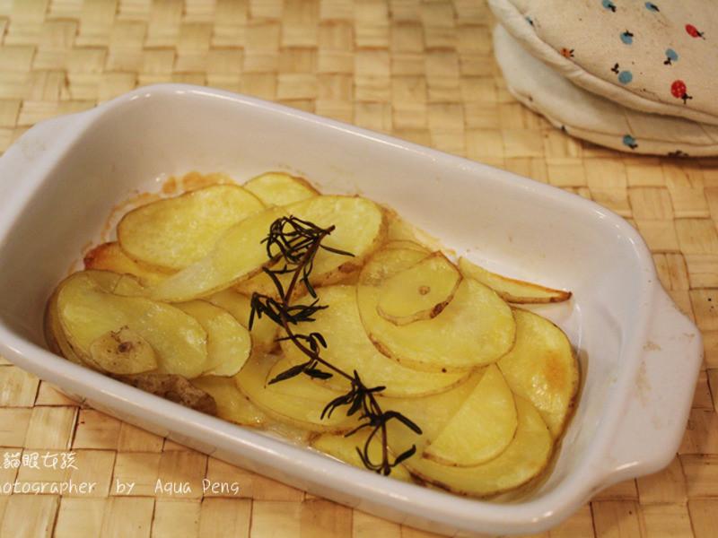 【簡單做菜】可口小點心。香烤馬鈴薯片。小烤箱也能做出好料理