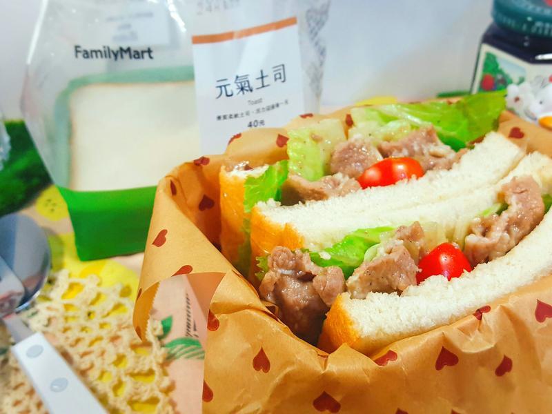 日式豬肉夾吐司