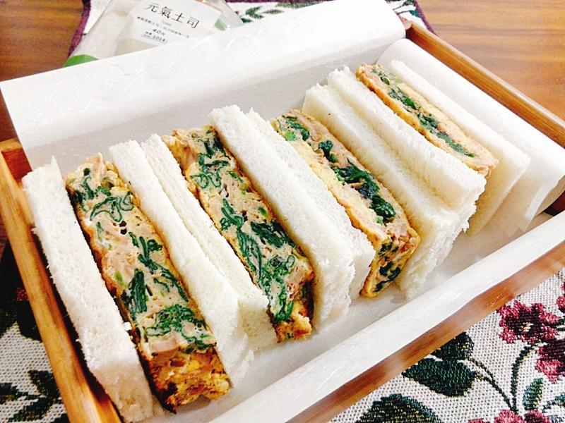 厚蛋菠菜鮪魚三明治一超簡單