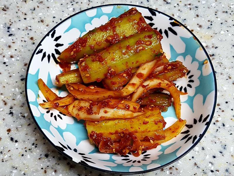(韓式)涼拌洋蔥小黃瓜 양파오이무침