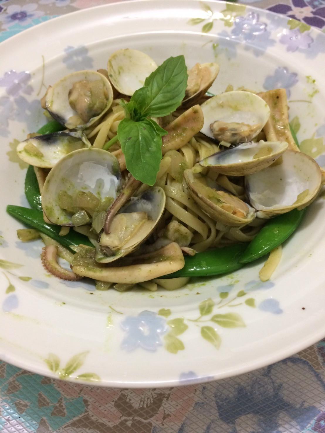 青醬海鮮義大利麵