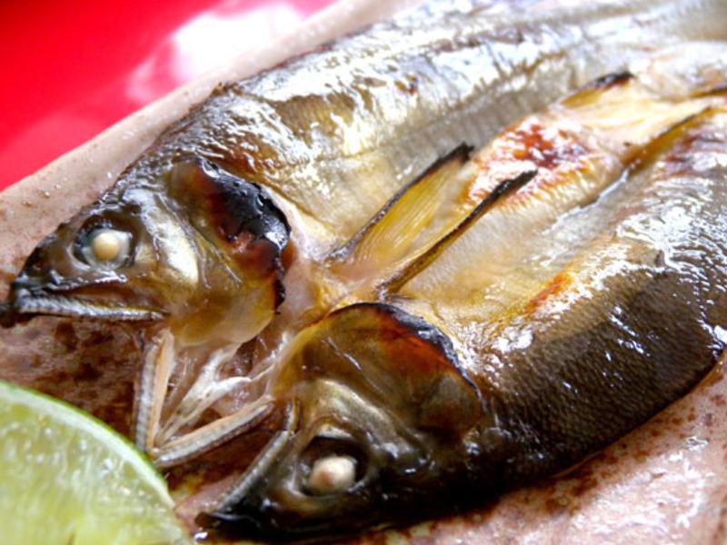 芳雄美食-香烤香魚一夜干