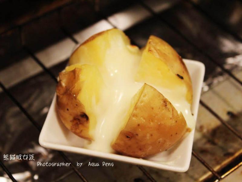 【簡單做菜】肥滋滋消夜場。爆漿起士馬鈴薯
