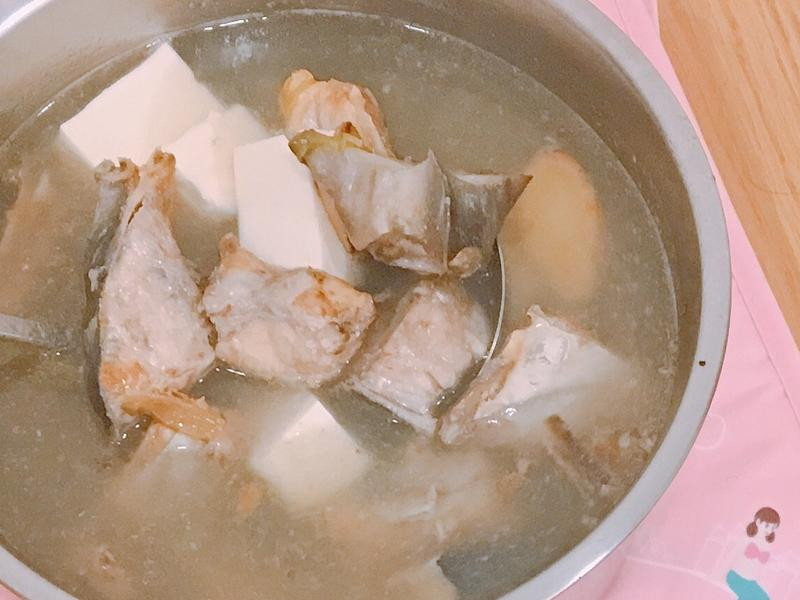 鮮魚豆腐湯