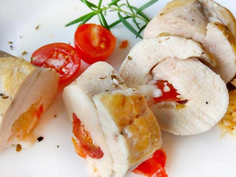 番茄起司雞肉捲♪平底鍋煎出軟嫩雞胸肉捲
