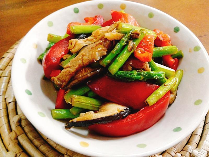 蘆筍燴香菇甜椒一超簡單 健康 便當菜