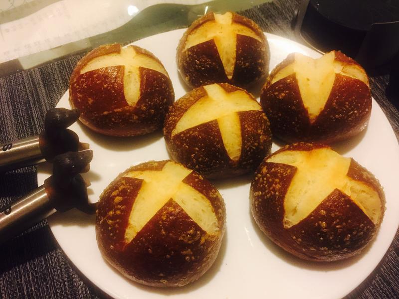 Pretzel Bread 蝴蝶脆餅麵包